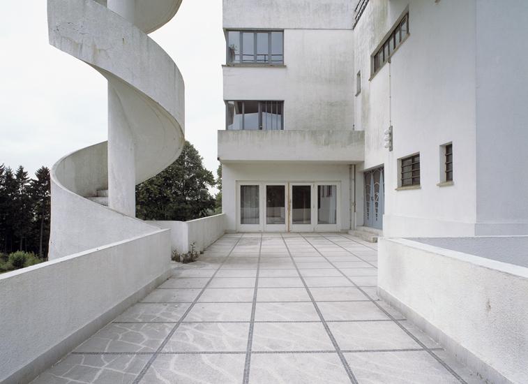 <font color=black>Villa Dirickx - Architect Marcel Leborgne in Sint-Genesius-Rode</font><br> Vrij fotoproject